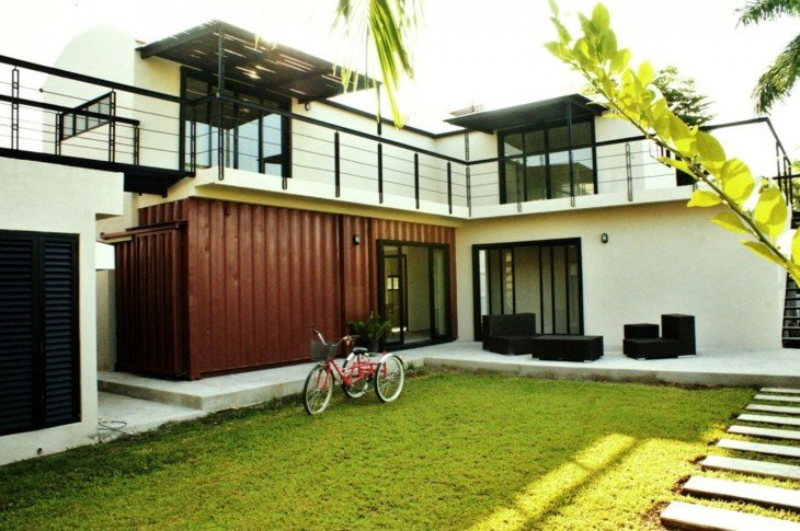 15. Casa hecha de containers