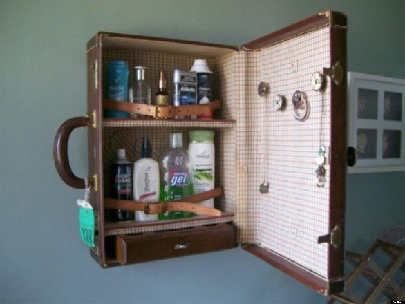 Ideas para reciclar y reutilizar objetos viejos de tu hogar for Muebles con cosas recicladas