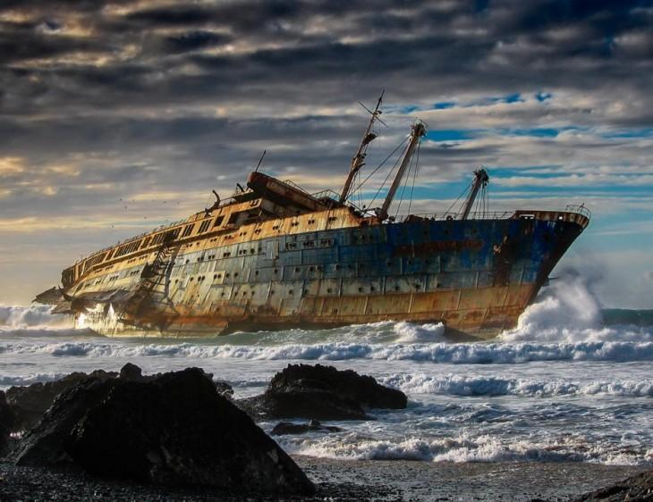 El SS América abandonado en Fuerteaventuras en las islas canarias