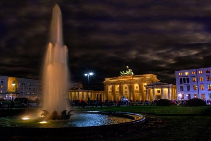 Alrededores de la Puerta de Brandenburgo en Alemania