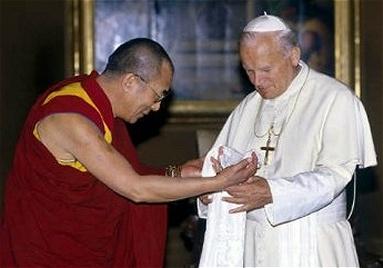 Dalai Lama con el Papa J