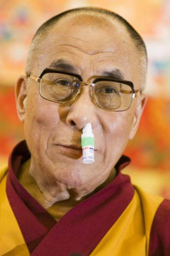 El dalai lama con sentido del humor