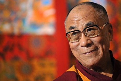 El Dalai Lama con una mirada sabia
