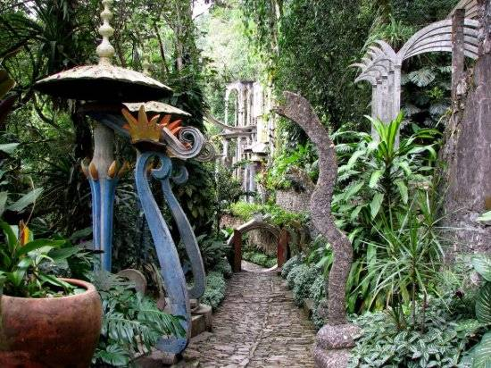 jardin surrealista de edward james en xilitla