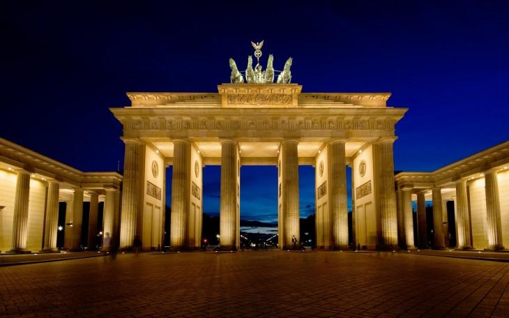 puertas de brandenburgo en berlin alemania