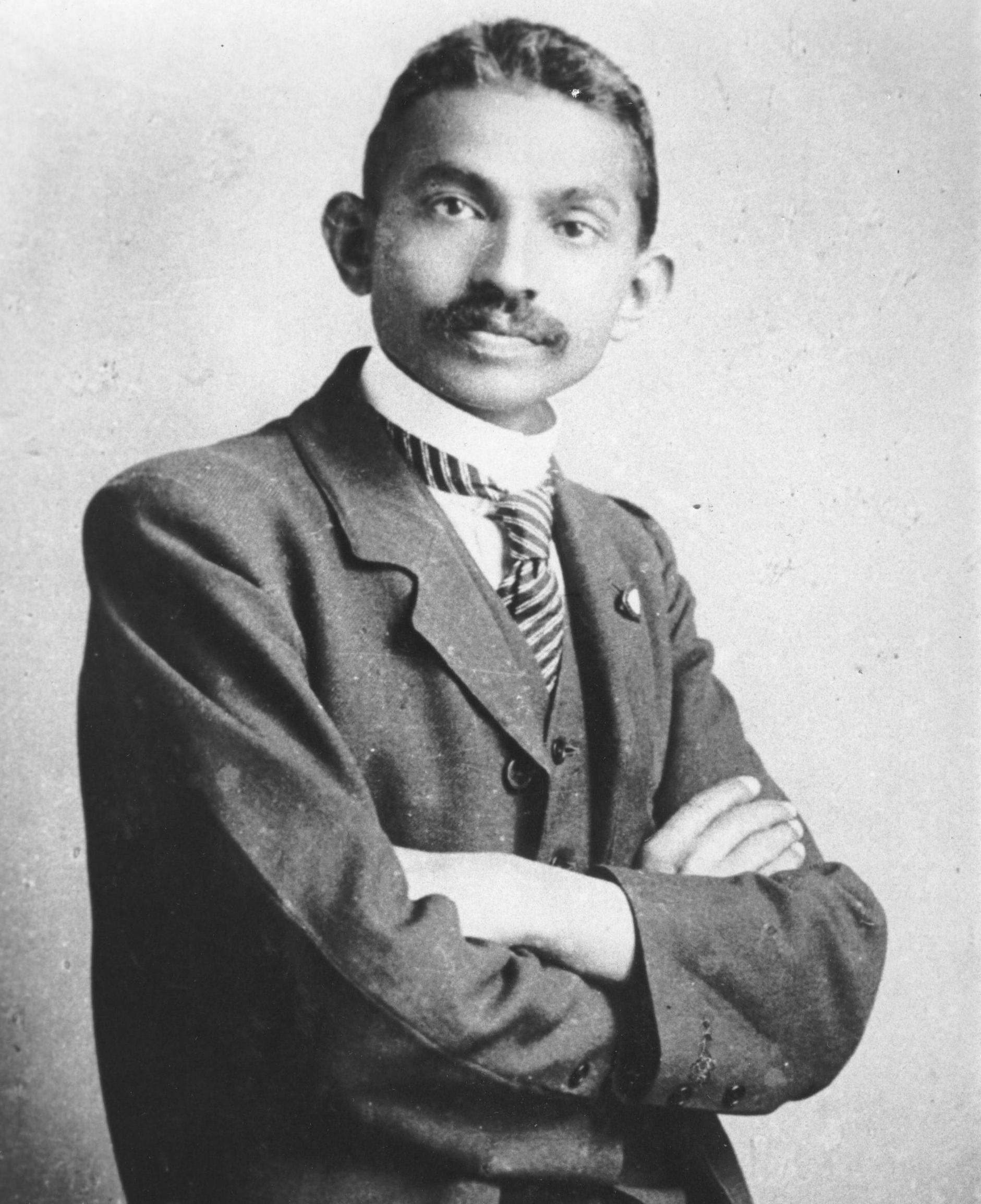 an analysis of the life and accomplishments of mohandas karamchand gandhi an indian independence mov A short summary of 's mohandas gandhi  down peaceful indian protestors, convinced gandhi and india of  from public life again but independence could not.