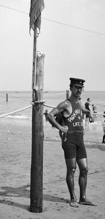 SALVAVIDAS DE 1920