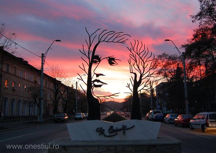 Impresionante estatua rumania