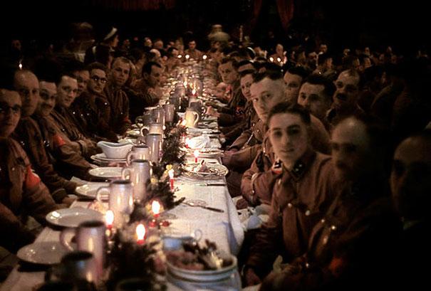 Oficiales y Cadetes Nazis celebrando la navidad, 1941
