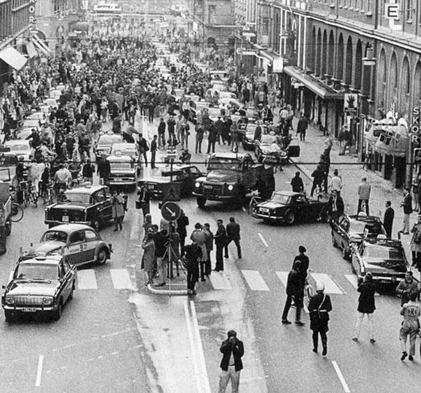 Primera mañana en la que Suecia cambiara las reglas de la conduccion de Izquierda, a Derecha