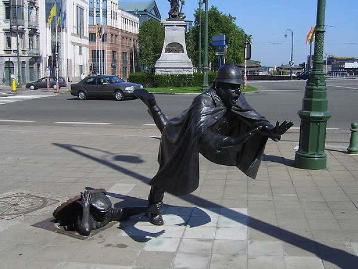 estatuas graciosas en Bruselas, Belgica