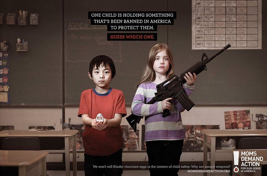 una niña con un arma y un niño con un libro