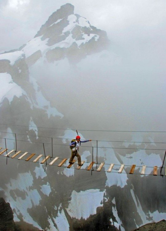 Canada-Sky-Walking-at-Mt_-Nimbus-620x861