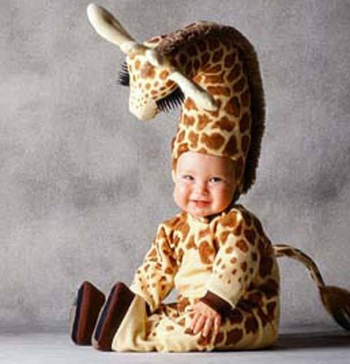 bebé disfrazado de jirafa