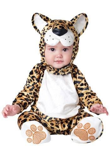 bebé disfrazado de leopardo