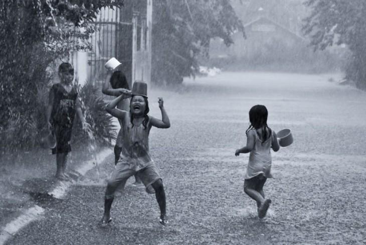 fiesta en la lluvia en Las Filipinas
