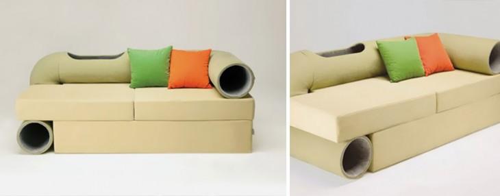 Creativo sofá que contiene un túnel para gatitos