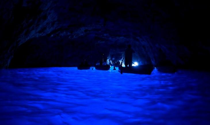 La Gruta Azul, de noche