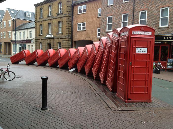 Arte urbano con cabinas telefónicas en Londres