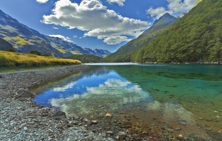 lago blue azul en nueva zelanda