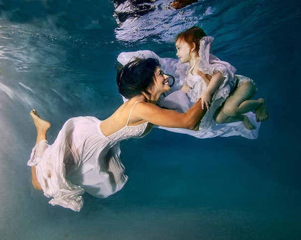 sumergidas en el agua