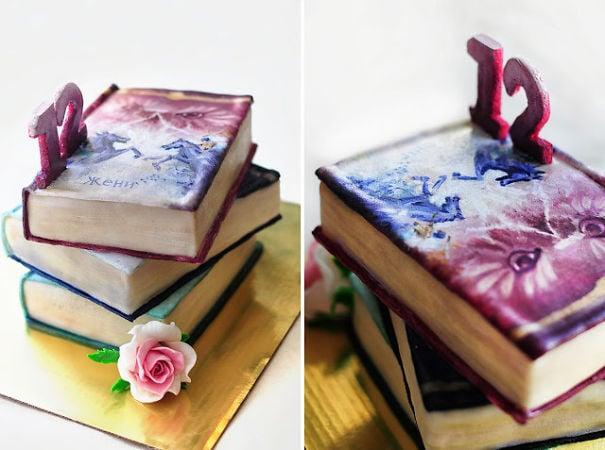 pastel de libros