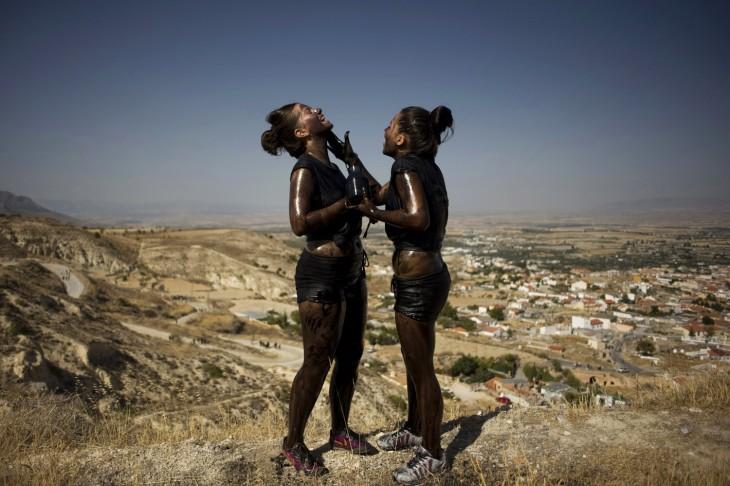 guerra de pintura en el festival de Cascamorras – España