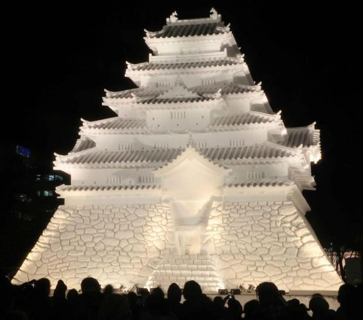 esculturas realizadas en nieve durante El Festival de la Nieve de Sapporo - Japón
