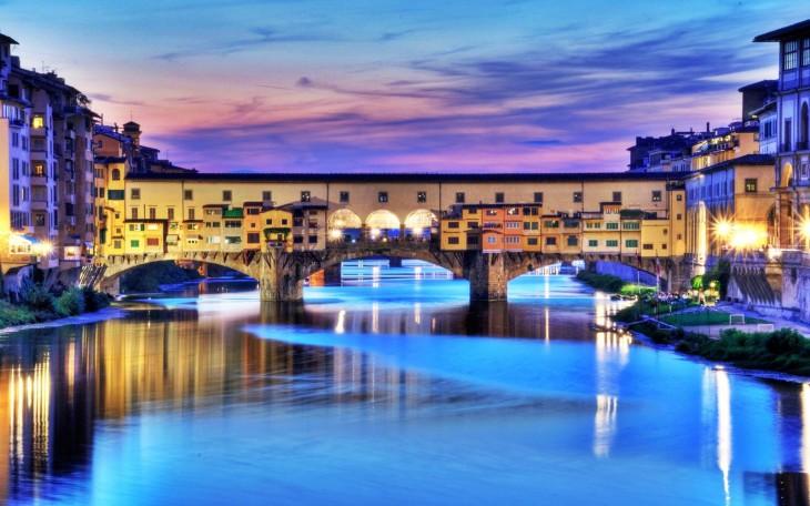 Ponte Vecchio en florencia italia