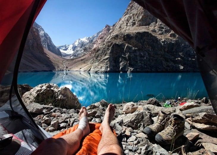 campamento en lago allo