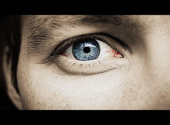 un ojo lloroso