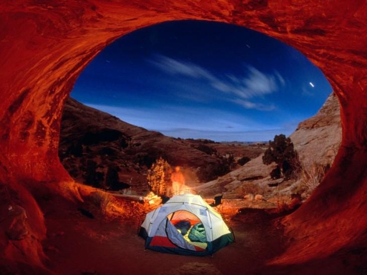 carpa en la noche de utah