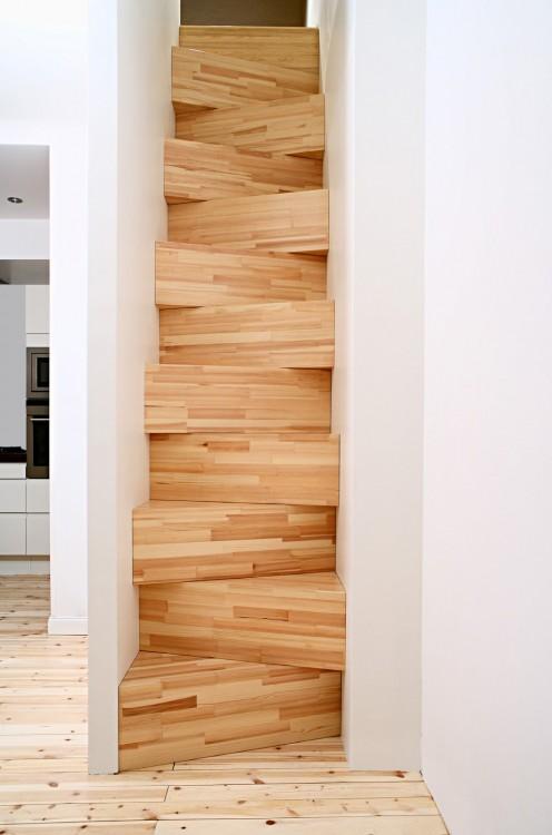 4.TAF_Stair