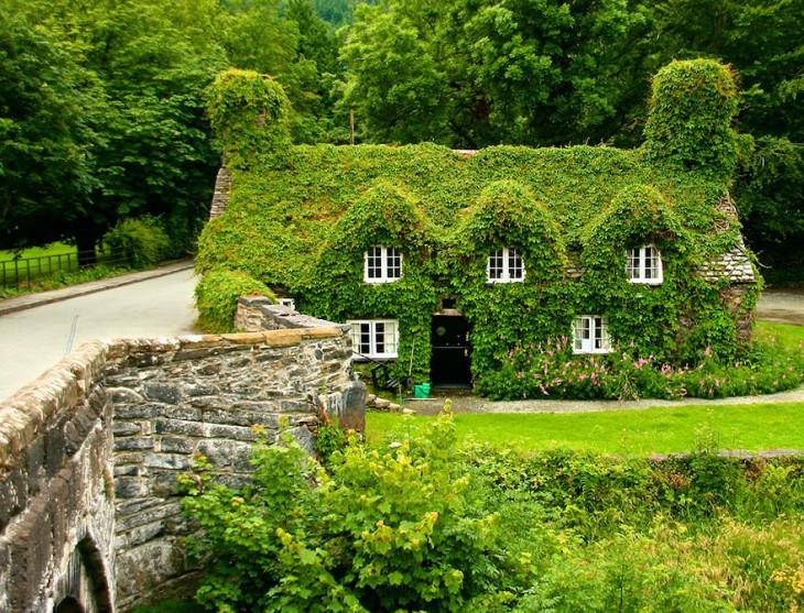 Salón de té Tu Hwnt I'r Bont en Llanrwst, Gales del Norte