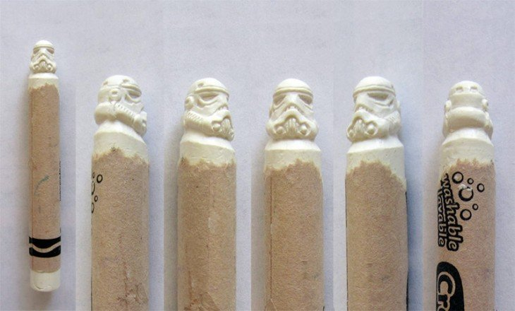 crayolas con la forma de la cabeza de los soldados blancos de Star Wars