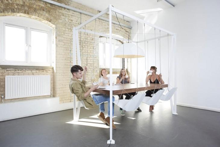 Mesa con asientos de columpio