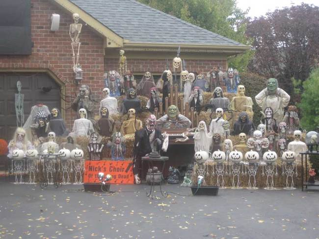 una orquesta de esqueletos