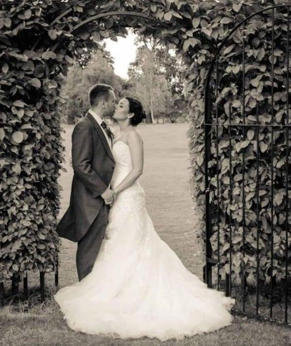 Resultado de imagen para parejas de novios casandose