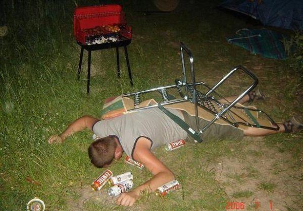 se cayó de la silla