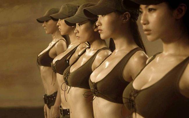 mujeres en el ejercito