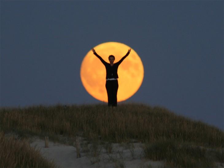 la luna dividida en tres