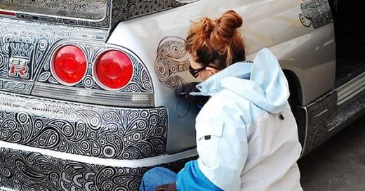 artista pinta carro con increibles diseños