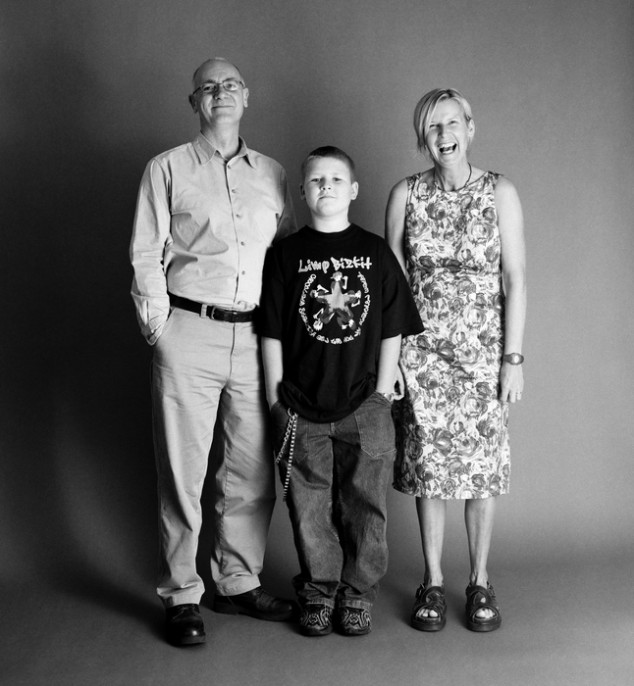 pareja con su hijo de 11 año