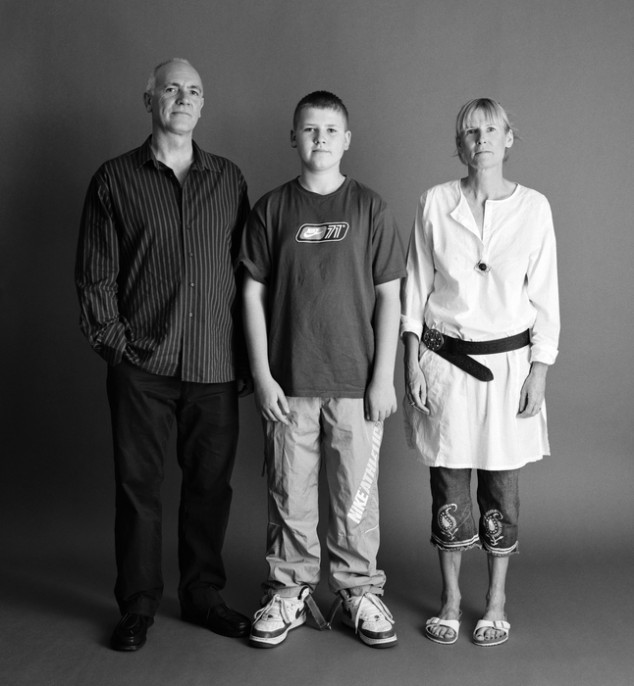 pareja con su hijo adolescente de 14 años