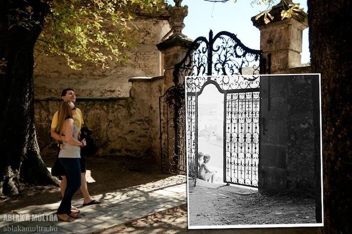 mujer viendo un portón antiguo
