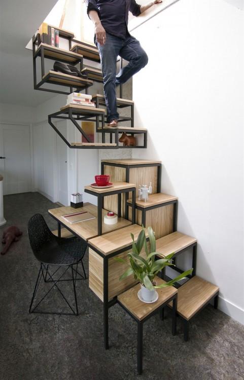 Escalera funcional a una oficina en casa