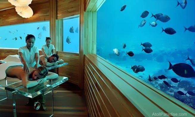 masajes viendo el agua en hotel submarino en Zanaibar