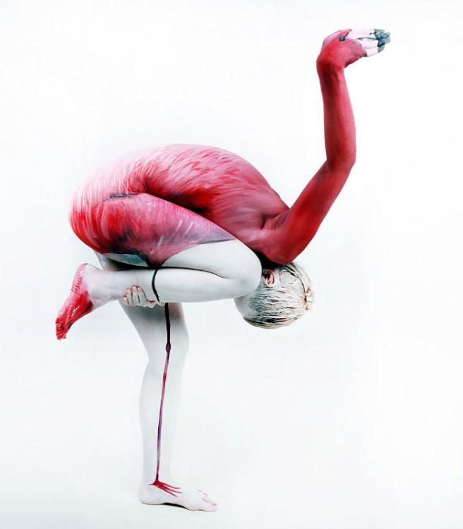 bodypaint de un flamengo rosado