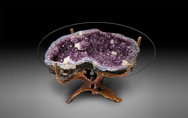 mesa hecha con cuarzos