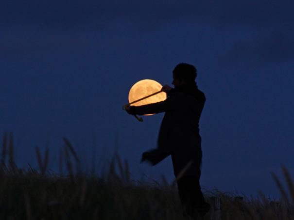 midiendo la lua